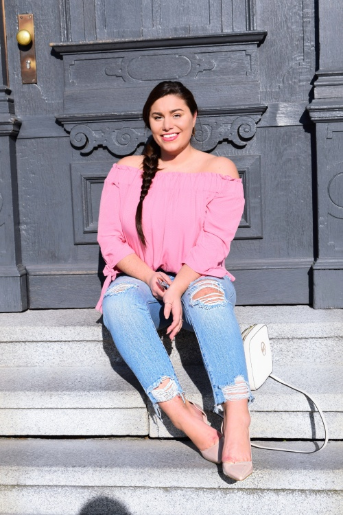 modecocktail-plussize-spring-look-destroyed-jeans[1]
